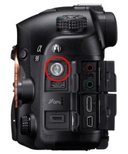 Conector de flash en la cámara